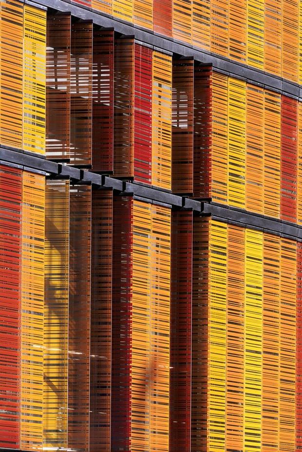 25 stunning architectural facades Advancia Business school Paris glass shutters