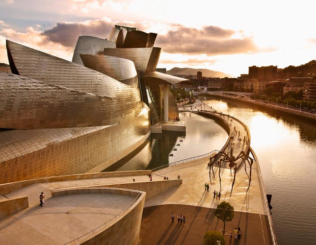 25 stunning architectural facades Guggenheim Museum Gehry