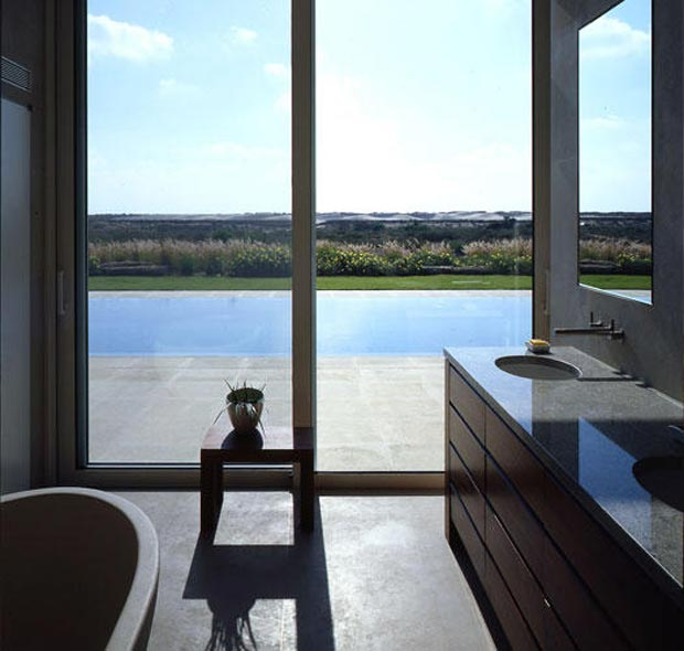 Caesarea Villa by Gottesman Szmelcman Architecture bathroom