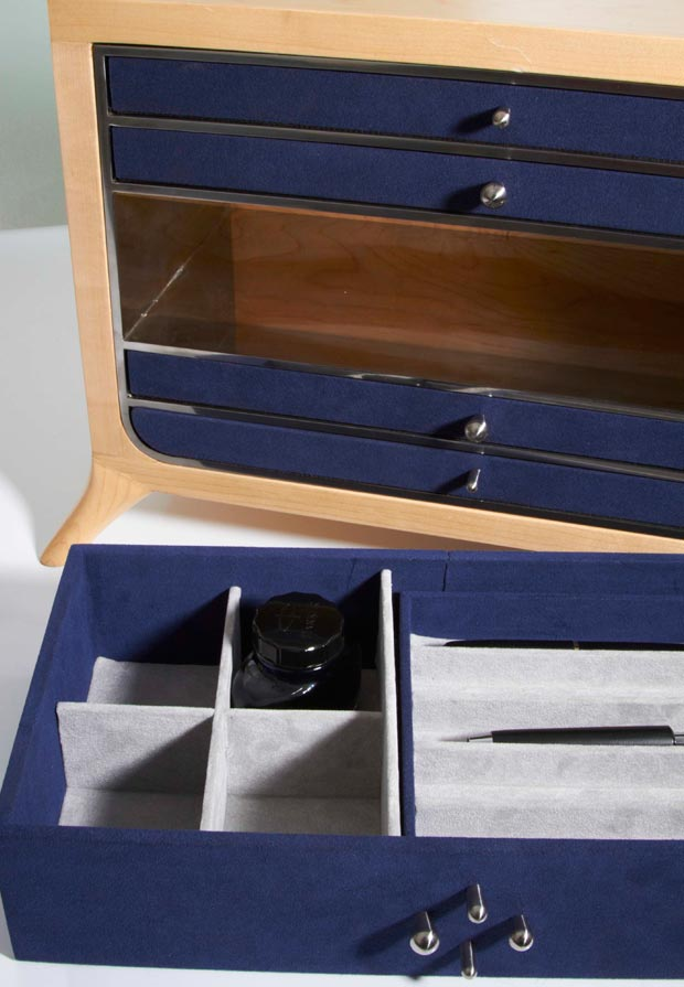 David Nicolas Collection Particuliere inside drawer