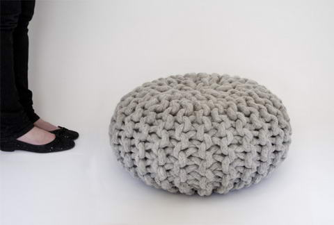Handknitted poufs and rugs by Christien Meindertsma 3