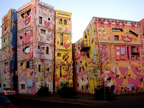 pop art happy rizzi house germany decojournal. Black Bedroom Furniture Sets. Home Design Ideas