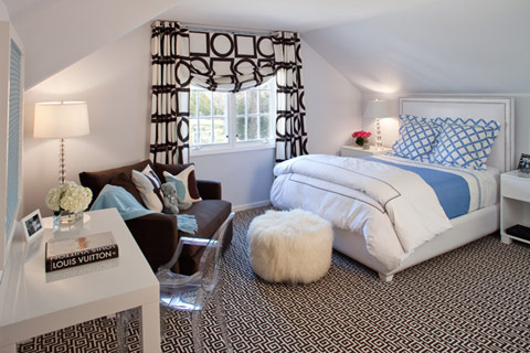 http://decojournal.com/img/interior-white-walls-printed-rug-room.jpg