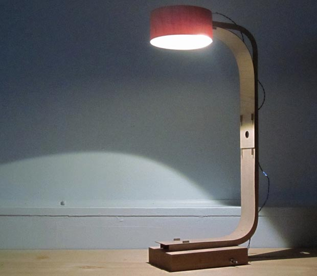 minimalist desk lamp by Tom Chung