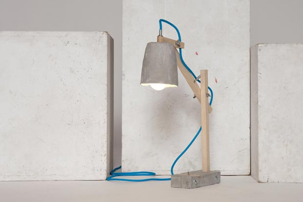 Remiz desk lamp by Sara Kele blue cable