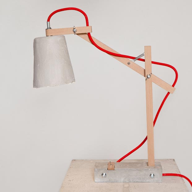 Remiz desk lamp by Sara Kele red cable