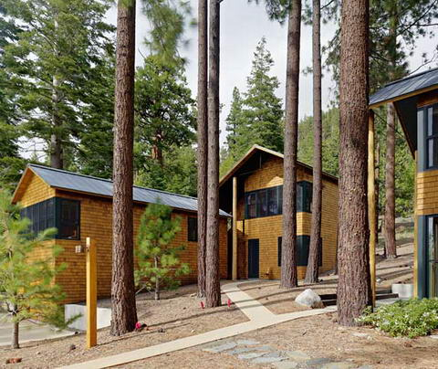 Summer Lake Tahoe House TGH Architects 03