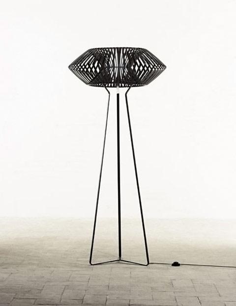 V floor lamp Hector Serrano