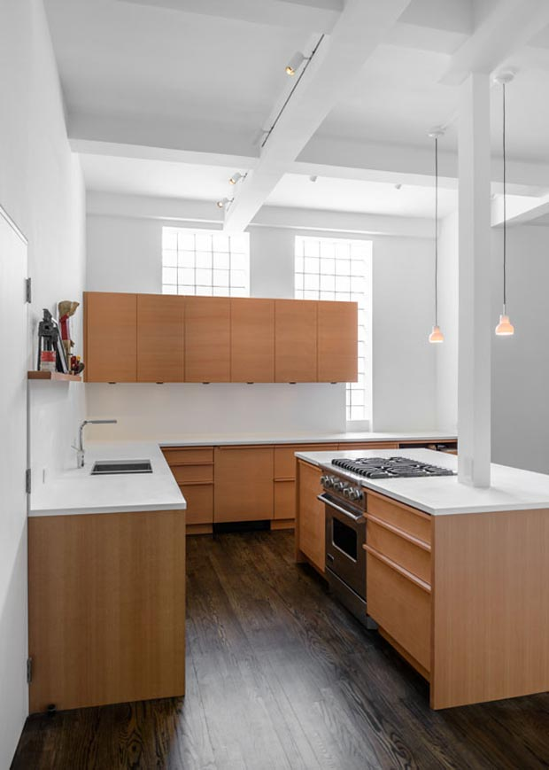 this apartment located in new york s east village keeps it clean and